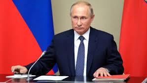 Putin Saray İddalarını Reddetti.