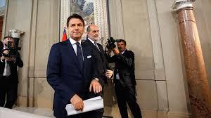 İtalya da Hükümet İstifa Etti