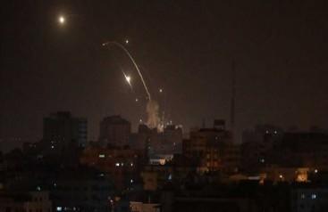 Siyonistler Gazzeye hava saldırısı düzenledi