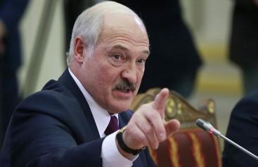 Lukaşenko yemin ederek görevine