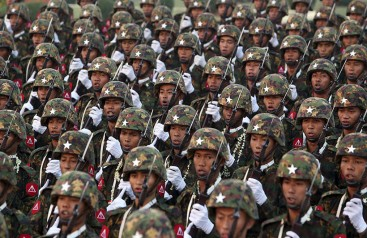Myanmar ordusu yönetime el