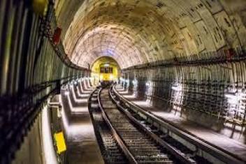 İstanbula iki raylı sistem hattı